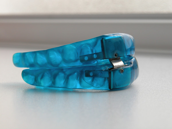 Dispositivo de Avance Mandibular que usamos en Garcelán Clinic, apnea del sueño y ronquidos en sevilla
