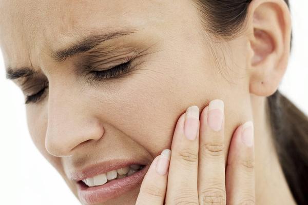 urgencias dentales en sevilla, dolor de muelas urgentes en Sevilla