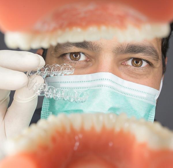 ortodoncista sevilla, ortodoncia sevilla, ortodoncia invisible sevilla