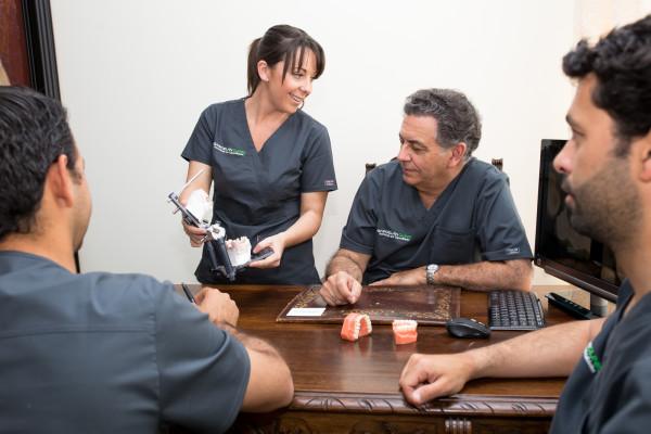 Equipo de Garcelán Clinic, Clínica Dental en Sevilla, dentistas sevilla