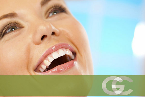 estética dental en sevilla, carillas en sevilla, carillas de composite en sevilla, carillas de porcelana en sevilla, blanqueamiento dental en sevilla