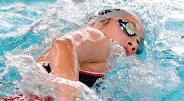 los nadadores profesionales suelen tener más sarro que otras personas