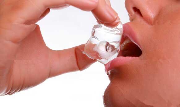 dentista sevilla, clinica dnetal sevilla, recomendaciones para mejorar la salud bucodental de los pacientes con tratamiento oncológico