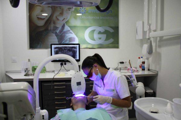 blanqueamiento dental en sevilla, dentista sevilla